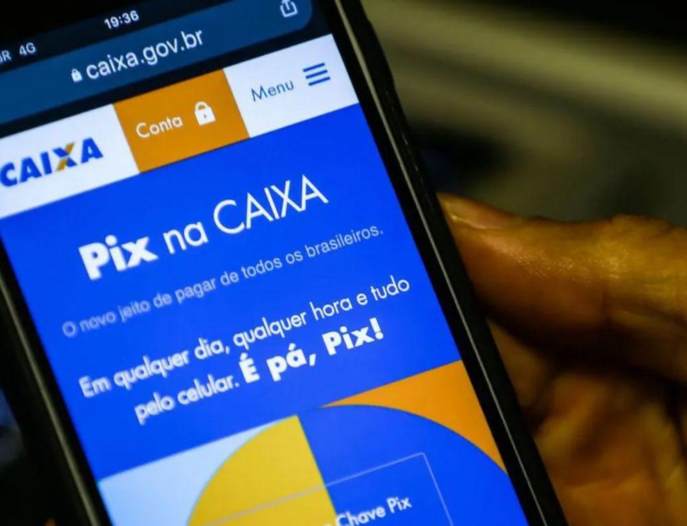 O PIX, novo sistema de pagamentos instantâneos do Banco Central, começa a operar hoje. Entenda o que é e como funciona. Confira!